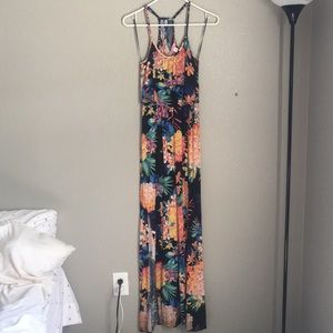Maxi dress with slight